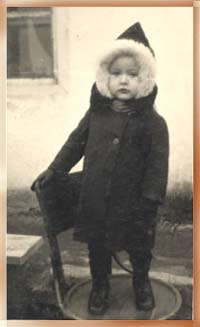 Viachek Igrunov as a 2-year child. Chernitsy, 1950