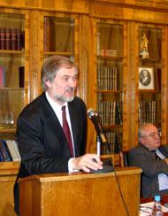Выступление Вячеслава Игрунова. Фото редактора.