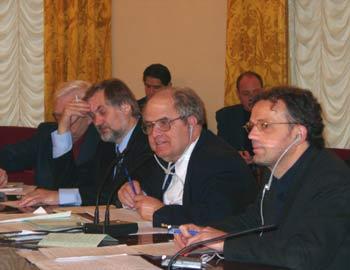 На снимке: Вячеслав Игрунов, ведущий проф. Олкер и проф. Питер Вагнер