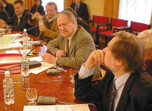 Сергей Капица и другие. Фото Игоря Сида.